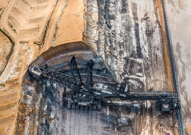 AV_Coal_Mine009
