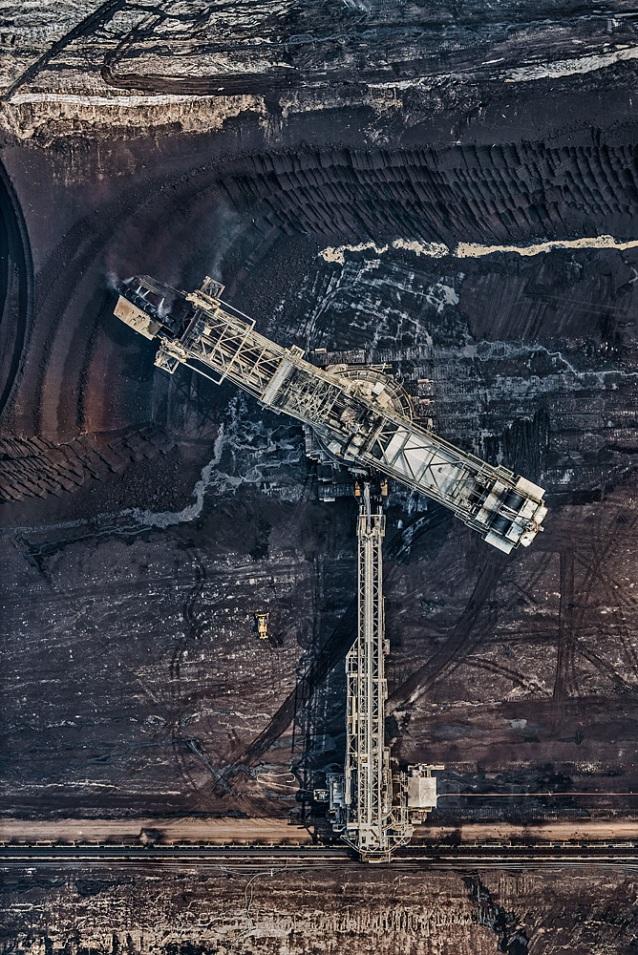 AV_Coal_Mine015